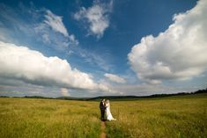 On top of the Shenandoah sits a large open expanse of land called Big Meadows and it's the perfect place for a mountain wedding next to the clouds! Shenandoah Mountains, Shenandoah Valley, Shenandoah National Park, Photography Pricing, Wedding Story, Perfect Place, National Parks, Skyline, The Incredibles