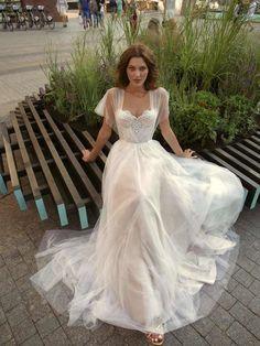 Evening Dresses For Weddings, Lace Weddings, Dream Wedding Dresses, Bridal Dresses, Wedding Gowns, Wedding Cakes, Wedding Rings, Evening Gowns, Backless Wedding