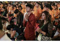 Уважніше прислухатись до Божого поклику та з вірою і мужністю відповідати на своє покликання. З таким закликом звернувся Папа до молодих людей Азії з нагоди завершення 7-го Дня Азійської Молоді, що проходив в місті Джок'якарті на індонезійському острові Яві від