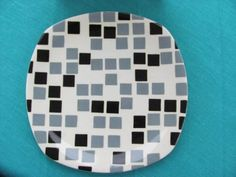 T.G.Green 'Samba Ware' Dinner Plate in the very rare Ivory Black and Dove Grey colourway on the Patio shape.