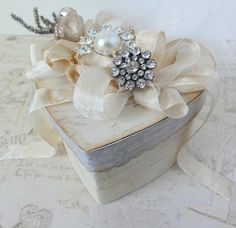 How To Wrap A Wedding Gift Box : ... gift wrapping ideas on Pinterest Gift wrapping, Wrapping and Gift