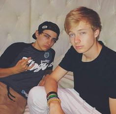 Sam and Colby  (my drug, my addiction, my life) Colby Brock, Sam And Colby, Jon Cozart, Sean William Mcloughlin, Roommates, Youtubers, Tom Hiddleston, Dads, Addiction