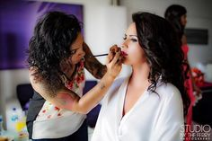 #BridalGettingReady and why not a #RedLipstick for give your lips a sensual touch ? #BridalMakeup #RivieraCancun #DestinationWedding  www.vo-evolution.com