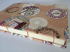 Caderno com revestimento em linho com tema Paris. Romantismo já está no ar!!! #handmade #bookbinding #paris #encadernação #romantico