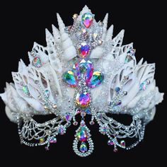 Now that is a mother fucking mermaid crown . . . #mermaids #mermaidcrowns #shellcrowns #shellart #shelltiara #crystaltiara #crystals #auracrystals #aura #rainbowaura #goodvibes #seaqueen #seashells #gemstones #glitter #mystic #icequeen