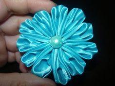 tutorial flores kanzashi. video  138  Puede ver mi version de esta flor en mi Board- ( MADE BY ME ) quedo muy parecida
