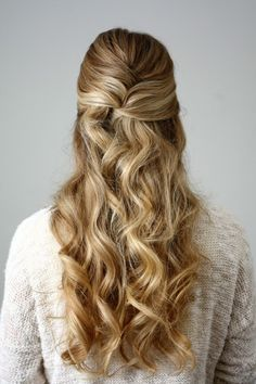 New Holiday Hairstyles Blondes Ideas Ball Hairstyles, Holiday Hairstyles, Hairstyles For School, Wedding Hairstyles, Natural Hairstyles, Stylish Hair, Hair Dos, Fall Hair, Prom Hair