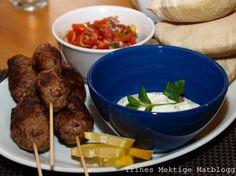 Kebab med tomatsalsa og mynteyoghurt | TRINEs MATblogg