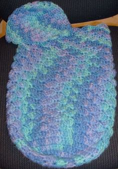 """Baby Pouch and Hat - free crochet pattern (22 w x 18L/ for baby 20 """" long & app 5 to 10 lbs(This designer was using her baby for pattern so it's best estimate of all ..BB)"""