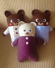 bear's in pajamas soft toys Sewing Projects For Kids, Sewing For Kids, Stuffed Animal Patterns, Diy Stuffed Animals, Cute Cushions, Scrap Busters, Fabric Animals, Fabric Toys, Sewing Dolls