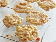 With dried apples and caramel candies in every bite, our oatmeal cookies give you the flavors of fall year-round. Diabetic Desserts, No Cook Desserts, Oatmeal Cookie Recipes, Oatmeal Cookies, Apple Oatmeal, Chocolate Peanut Butter Cookies, Recipe Finder, Spice Cookies, Moist Cakes