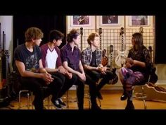 5 Seconds of Summer Chart Show Chat
