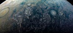 NASA's Jupiter probe just beamed back mesmerising new photos of the gas giant