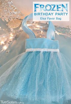 Disney Frozen Elsa Party Favor Bags - These DIY party favor bags were the hit of our Frozen Birthday Party.  So pretty, sparkly and fit for an ice queen, the girls at the party loved them.  For more great Frozen Party Ideas follow us at http://www.pinterest.com/2SistersCraft/