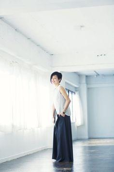 【自分を知った大人服】中川正子さん フォトグラファー | 暮らしとおしゃれの編集室 Women's Fashion, Cool Stuff, My Style, Model, Pattern, Fashion Women, Womens Fashion