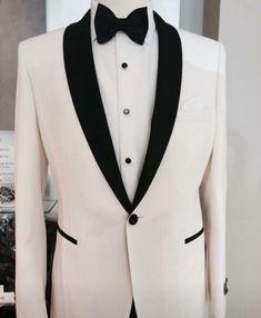 Charming White Groom Tuxedo Wedding Jacket Ideas - Moda masculina - HoMe White Tuxedo Wedding, Ivory Tuxedo, Groom Tuxedo Wedding, Wedding Suits, Wedding Tuxedos, Wedding Jacket, White Suits, Tuxedo Jacket, Groom Attire