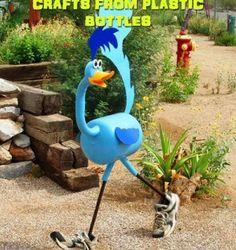 Exciting Outdoor Metal Garden Art Ideas You Must Try - Home Decoration Plastic Bottle Planter, Plastic Bottle Art, Reuse Plastic Bottles, Plastic Bottle Flowers, Plastic Art, Plastic Jugs, Recycled Bottles, Metal Yard Art, Scrap Metal Art