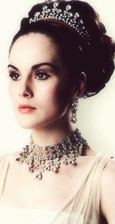 Lady Mary from #DowntonAbbey looking very regal http://oztvreviews.com/2015/02/downton-abbey-is-back/