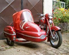Jawa sidecar – Vehicles is art Vintage Bikes, Vintage Motorcycles, Cars And Motorcycles, Bike With Sidecar, Sidecar Motorcycle, Ural Bike, Bmw C1, Jawa 350, Side Car