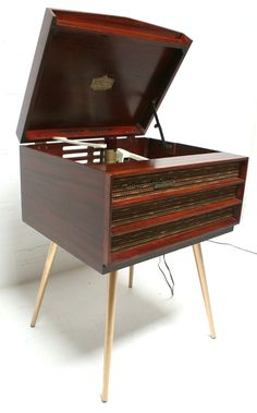 1960s RCA Victor Orthophonic High Fidelity Record Player in Red Mahagony