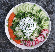 Crunchy salad with goat cheese mousse Goat Cheese Salad, Cobb Salad, Salads, Food And Drink, Gluten Free, Vegetarian, Vegan, Mousse, Recipes