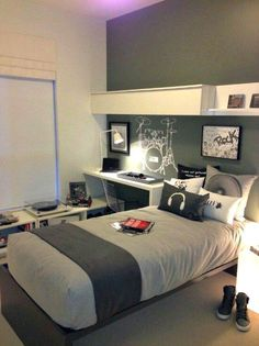 for Olivers room Teen Boy Bedroom Design Ideas, Pictures, Remodel, and Decor - page 39 Small Room Bedroom, Trendy Bedroom, Small Rooms, Kids Bedroom, Modern Bedroom, Contemporary Bedroom, Warm Bedroom, Bedroom Ideas For Teen Boys, Budget Bedroom