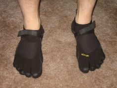 Your current running shoes might be the cause of your aching ankles and sore knees. At least that's the theory many people are now going with. Best Barefoot Running Shoes, Sore Knees, Keep Running, Toe Shoes, Theory, Sneakers, How To Wear, Shape