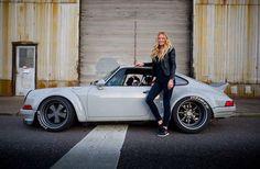 Porsche 911 Girl