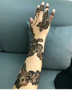 😘💕❤Round mehndi designs & most beautiful &attractive henna design Henna Hand Designs, Round Mehndi Design, Mehndi Designs Finger, Full Hand Mehndi Designs, Modern Mehndi Designs, Mehndi Design Pictures, Wedding Mehndi Designs, Mehndi Designs For Fingers, Latest Mehndi Designs