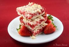 Easy Strawberry Crumb Bar Recipe