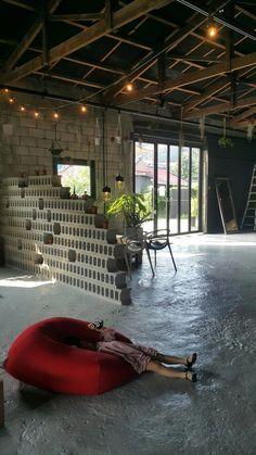 Home Decoration Living Room Cafe Interior, Office Interior Design, Office Interiors, Interior And Exterior, Coffee Shop Design, Cafe Design, Cafe Bistro, Vintage Cafe, Tap Room