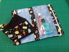 Kit de higiene grande com toalha de mão , decorada na mesma estampa. <br>Tamanho grande. <br>25cm x 15cm <br>Variação de estampas , escolha a sua !!!