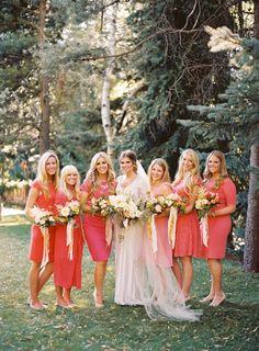 Madrinha de Casamento: Vestidos Iguais ou Diferentes?
