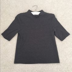 H&m ribbed grey top H&m grey ribbed top. Never worn! Size medium H&M Tops Tees - Long Sleeve