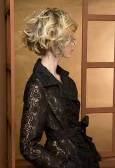 12 most amazing curly short hairstyles for women to try in 2019 Short Wavy Hair Amazing curly Hairstyles short women Curly Hair Styles, Curly Hair Cuts, Short Curly Hair, Wavy Hair, Short Hair Cuts, Medium Hair Styles, Deep Curly, Short Curls, Short Wavy