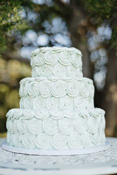 7 Wedding Cakes that Wow! www.theperfectpalette.com - Andie Freeman Photography, Southern Sophistication Designs, Sugar Kneads Cakery,