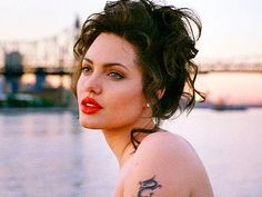 """With biopics like """"Gia,"""" starring Angelina Jolie as the heroin-addicted supermodel Gia Carangi, or Claire Danes' role as the revolutionary autistic scientist """"Temple Grandin,"""" HBO has produced a wealth of memorable performances and original movies. Gia Carangi, Angelina Jolie Fotos, Angelina Jolie Movies, Angelina Jolie Makeup, Angelina Joile, Veronica Lake, Film Movie, Cinema Movies, Jolie Pitt"""