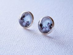Moon Earrings - Black and White Earrings - Moon Studs  Moon Earrings made using media on a 12mm silver plated bezel. These moon earrings are