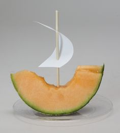 Sweet Sailing! Tasty cantaloupe + skewers + paper for sails = a fun Surf Shack snack! See Snack Leader for details. cokesburyvbs.com