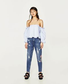 ZARA - TRF - HIGH-RISE EMBROIDERED MOM FIT JEANS