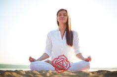 Il Mūlādhāra è il primo chakra, collegato alla nostra infanzia e all'elemento terra. Ecco alcuni esercizi per aprirlo e riequilibrarlo.