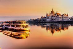 Budapest es una ciudad llena de historia con infinidad de cosas que ver. Os dejamos una lista de los 5 mejores tours y excursiones de Budapest en español.