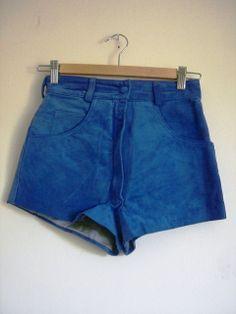 blaue Ledershort Casual Shorts, Vintage Fashion, Leather, Blue, Gowns, Fashion Vintage, Preppy Fashion