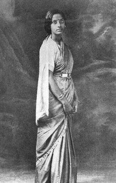 Tamil Iyer woman