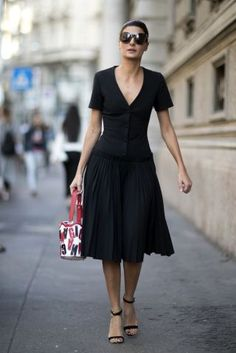 Black and white outfit  | For more style inspiration visit 40plusstyle.com