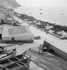 Sesimbra, décadas de 50/60. Lisbon Portugal, Fishing Villages, Portuguese, Old Photos, 1, Train, Black And White, Country, Photography