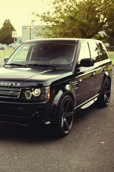 Range Rover. Black on black. I. Need. Now.