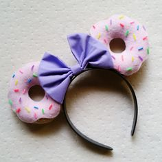 Yummm donuts! Made out of felt with rainbow sprinkles. Keep in mind, all ears will differ slightly. Turnaround for all ears is 7-10 days plus shipping 2-5 days. Unless told otherwise. Plan ahead (: I only ship within the United States as of right now.