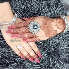«Henna @hiffyraja»