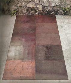Name: , Tenth Copper Cardinal,  Made: Carl André Date: 1973  Overige: koper, 10 onderdelen van telkens 50 x 50 x 0,5cm, samen 250 x 100 cm, Berlijn, Staatliche Museen zu Berlin, Preussischer Kulturbesitz, Nationalgalerie, verzameling Marzona - See more at: http://www.artsalonholland.nl/kunst-stijlen/minimalisme-minimal-art#sthash.vYOz73NH.dpuf